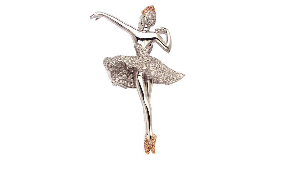 VAN-CLEEF-ARPELS_-Puccinella-ballerina-clip-in-white-gold-round-diamonds-and-one-pink-diamond_-POA