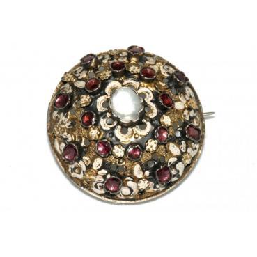 9021_22-Brosza-boulle-z-granatami-perla-i-emalia_67e6d2b1c3bf3565dd3c0f2b1ce9a9f3_auctionPageMedium