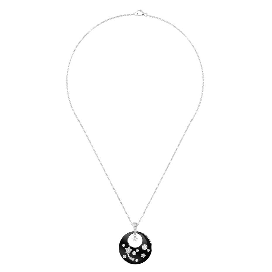 Chanel-Fine-Jewellery_Pendentif-Cosmique-Noir