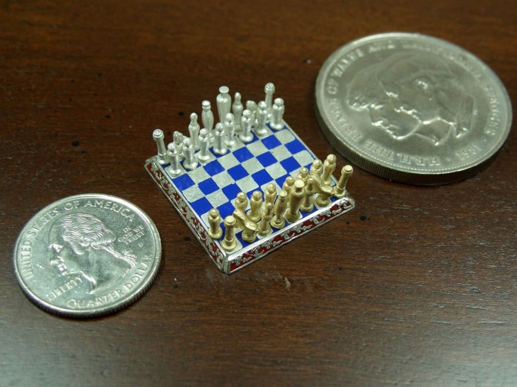 Smallest-Chess-Set-in-the-World-by-Sal-Knight-1
