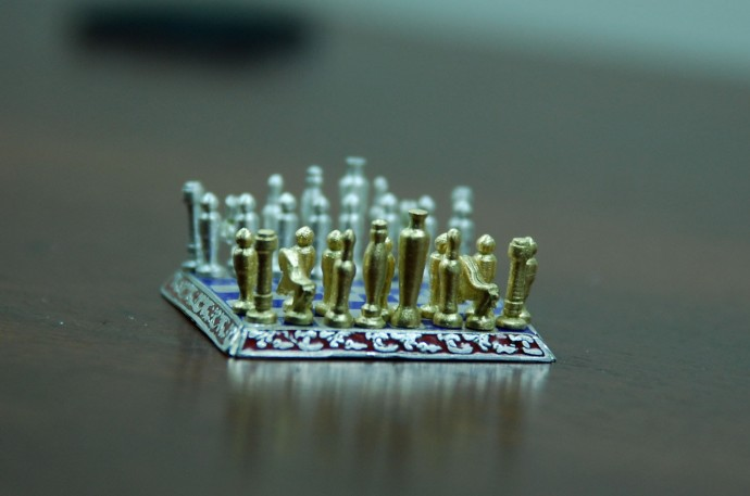 Smallest-Chess-Set-in-the-World-by-Sal-Knight-5