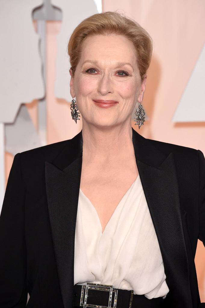 Meryl Streep wdiamentowych kolczykach oflorystycznej formie, marki Fred Leighton.