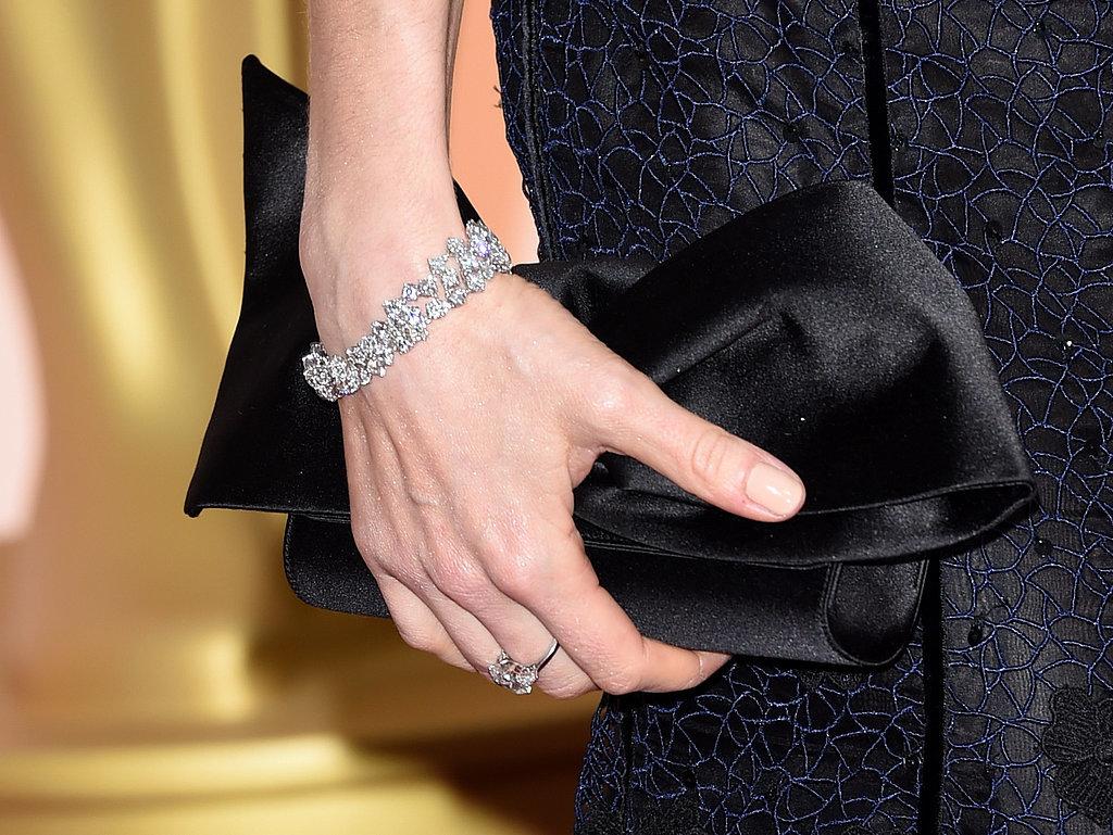 Sienna Miller wdiamentowej bransolecie Forevermark.