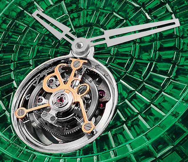 Jacob-and-Co-Caviar-Emerald-Tourbillon-2