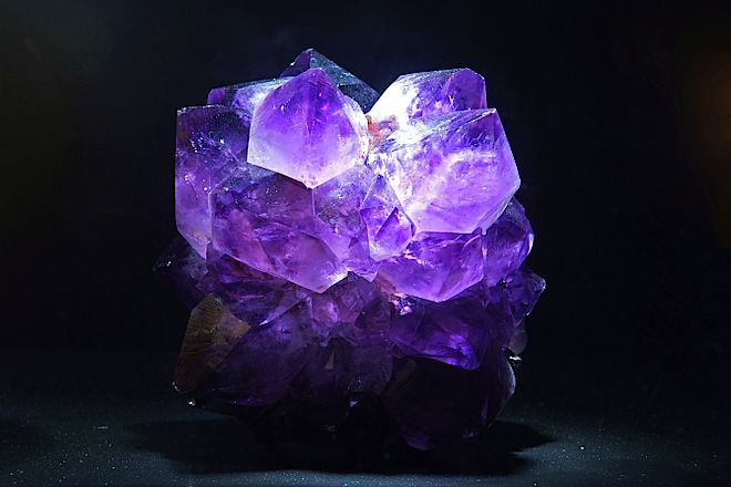 RTEmagicC_amethyst_commons_wikipedia.jpg