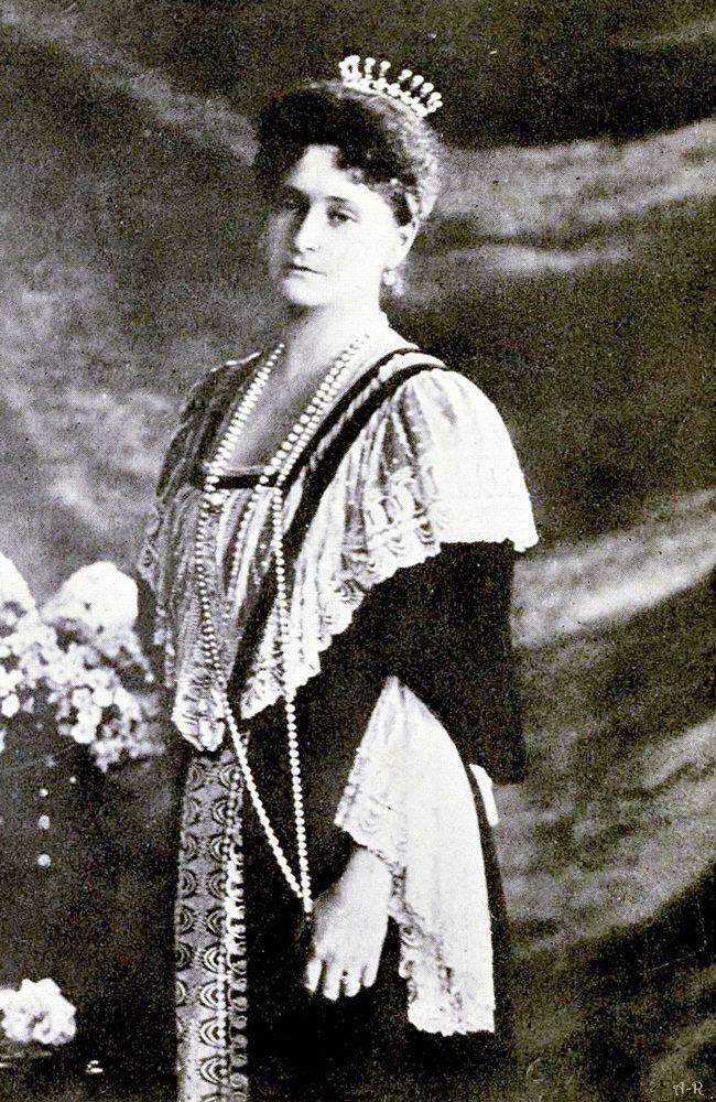 4 Alexandra Feodorovna wswojej tiarze