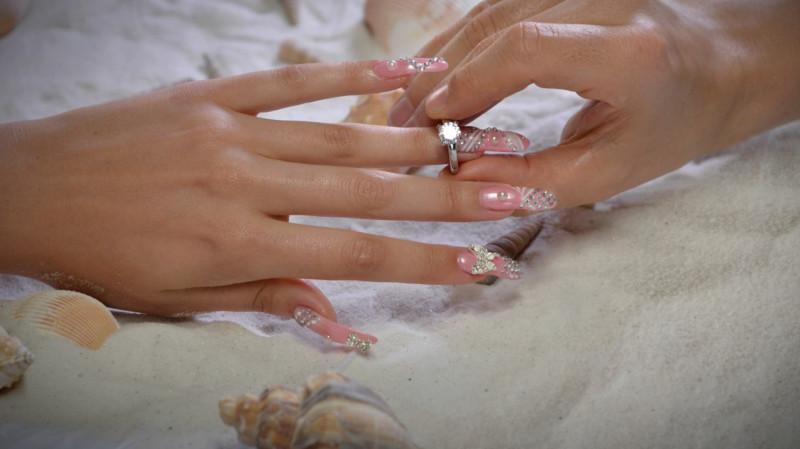 Images-Luxury-Nail-Lounge-3