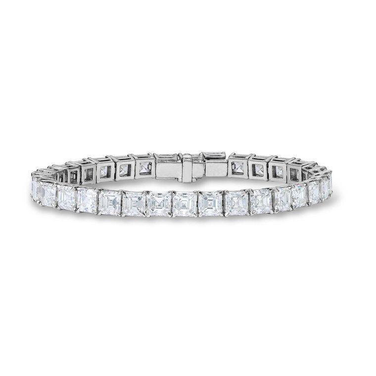 Bransoleta Asprey zdobiona 38 diamentami wszlifie Asscher