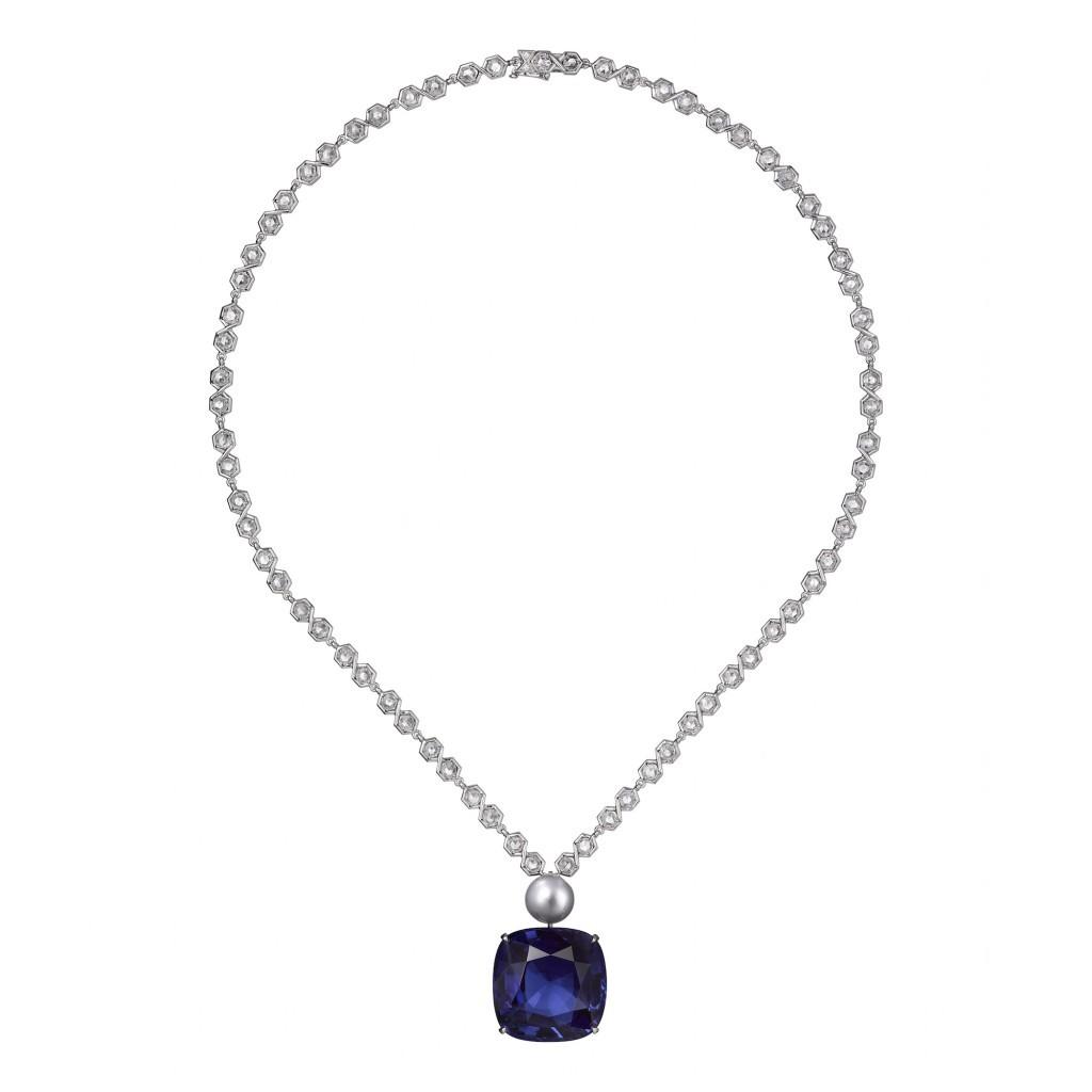 Cartier-45-carat-sapphire-Etourdissant-Cartier-Exhibition1-1024x1024