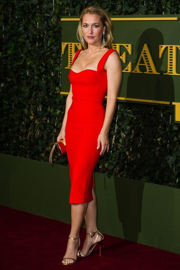 Gillian-Anderson-Vogue-23Nov15-Getty_b_592x888