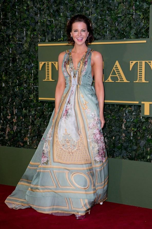Kate-Beckinsale-Vogue-23Nov15-Getty_b_592x888