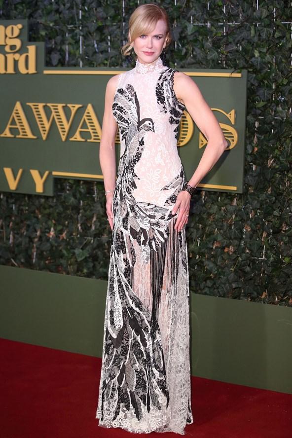 Nicole-Kidman-Vogue-23Nov15-Getty_b_592x888