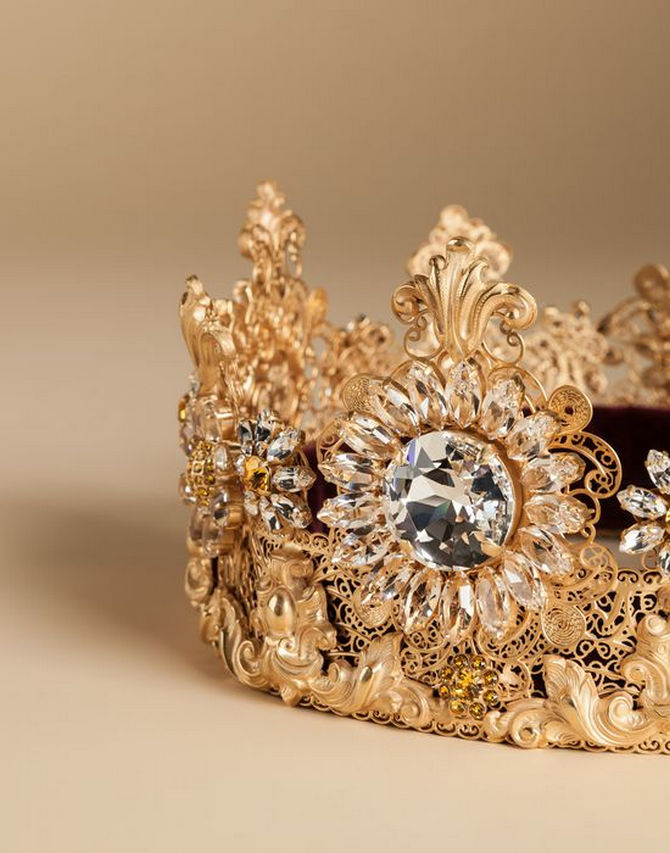 Dolce-Gabbana-Exclusive-Crown-5