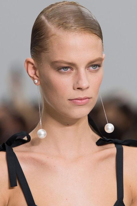 hbz-ss2016-trends-jewelry-baroque-earrings-ferragamo-clp-rs16-0755