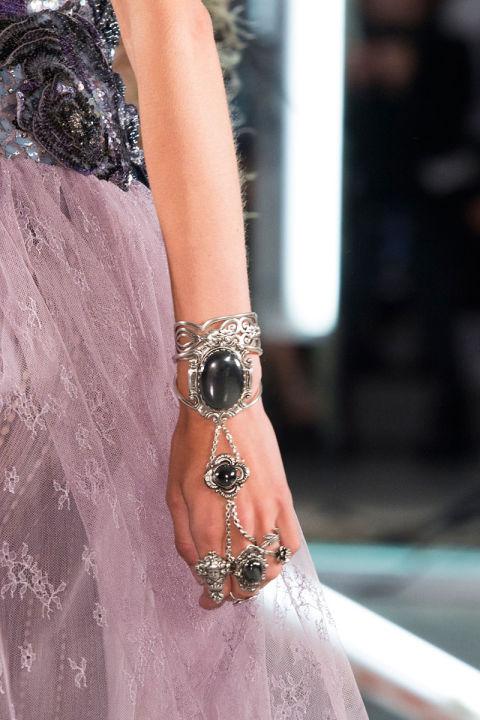 hbz-ss2016-trends-jewelry-body-jewelry-rodarte-clp-rs16-6330_1