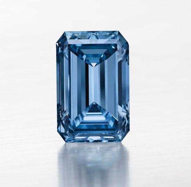 PAY-Fancy-Vivid-blue-diamond