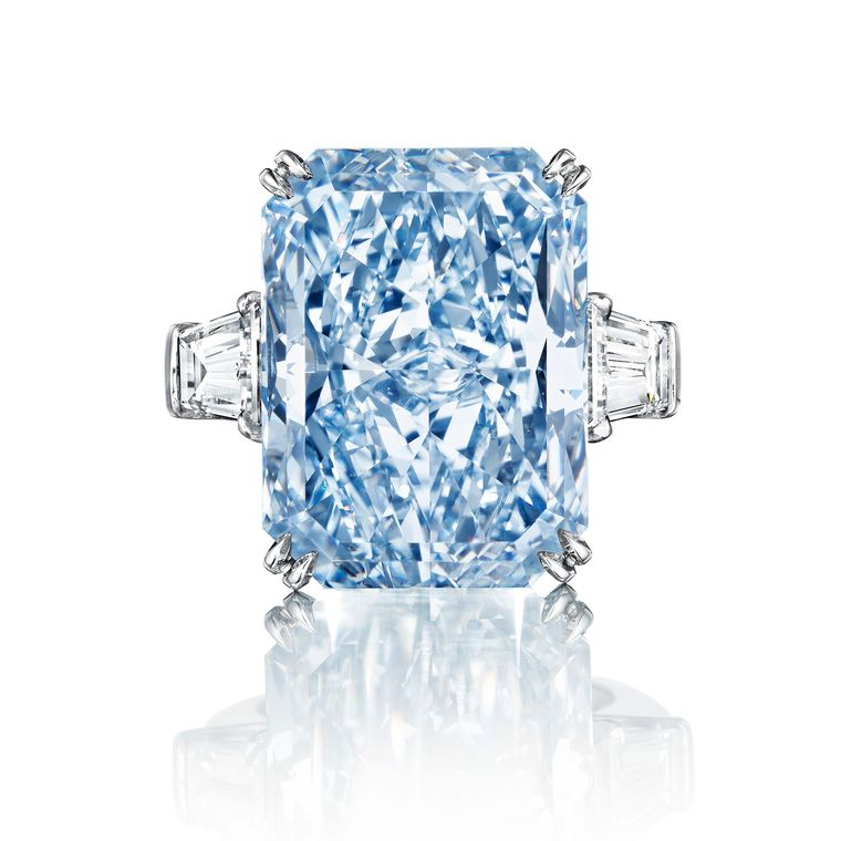 christies-the-cullinan-dream-coloured-diamond-ring.jpg__760x0_q80_crop-scale_subsampling-2_upscale-false