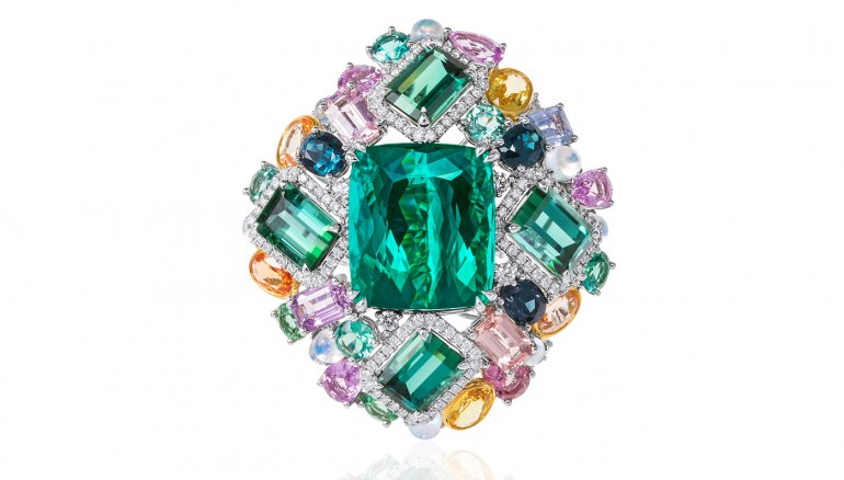 01-anna-hu-waltz-ring-in-green-tourmaline