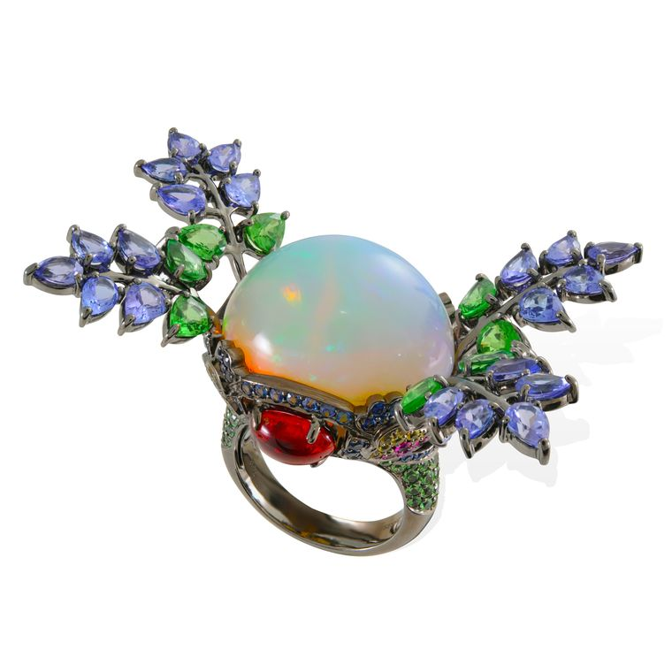 lydia_courteille_opal_ring-jpg__760x0_q80_crop-scale_subsampling-2_upscale-false