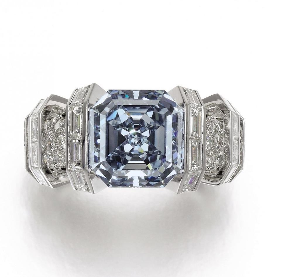 the-sky-blue-diamond-1200x1185