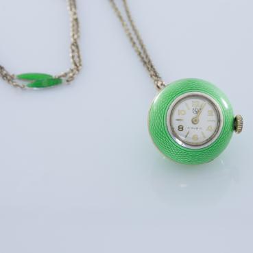 13684_2878-Zegarek-kieszonkowy-z-zielona-emalia_5bcc8347197b3aac8efbac00341f4dbb_auctionPageMedium