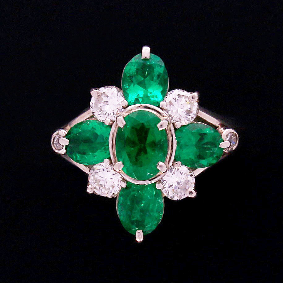 Hit sezonu: biżuteria z zielonymi kamieniami - Modernbizu pl