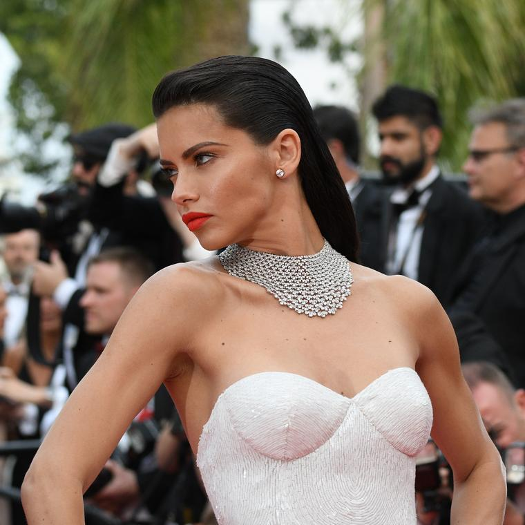 18_may_2017_adriana_lima_in_chopard_11809.png__760x0_q75_crop-scale_subsampling-2_upscale-false