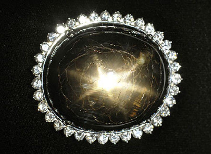 the_black_star_of_queenslandsapphire.jpeg.size.custom.crop.889x650
