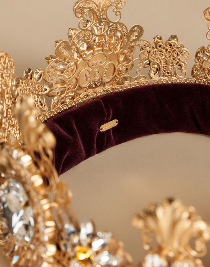 Dolce-Gabbana-Exclusive-Crown-6