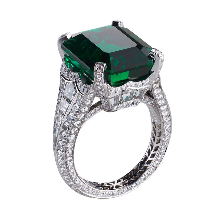 faberge_devotion_emerald_diamond_ring.jpg--760x0-q80-crop-scale-subsampling-2-upscale-false