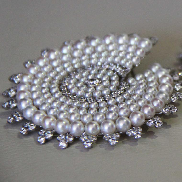 boucheron-hiver-imperial-pearl-earrings.jpg__760x0_q75_crop-scale_subsampling-2_upscale-false
