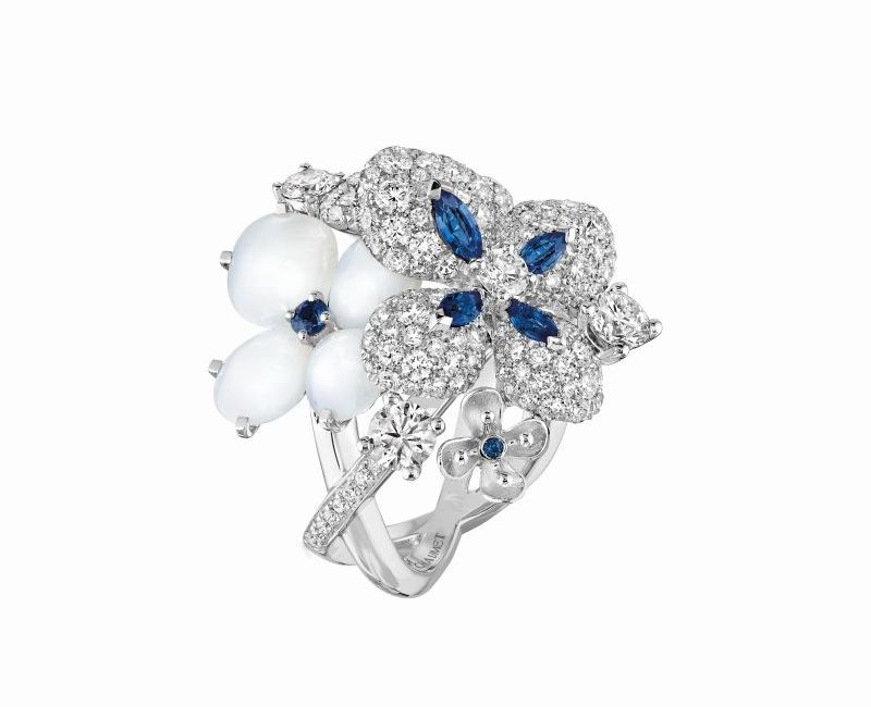 chaumet_hortensia_voie_lactee_ring_in_white_gold_set_with_marquise-cut_and_brilliant-cut_blue_sapphires_white_chalcedony_and_brilliant-cut_diamonds